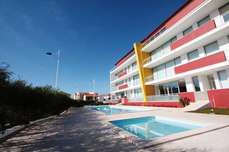 SCH72- Luxury Modern 3 Bedroom Penthouse Apartment - Image 1 - Sao Martinho do Porto - rentals