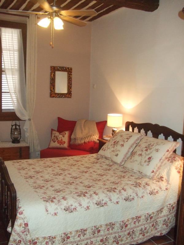 2nd floor bedroom - 458c99ba-5dbf-11e3-8d67-782bcb2e2636 - Antibes - rentals