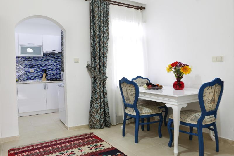 Sultanahmet, Akbiyik District, 3 BR, Cozy Apt - Image 1 - Turkey - rentals
