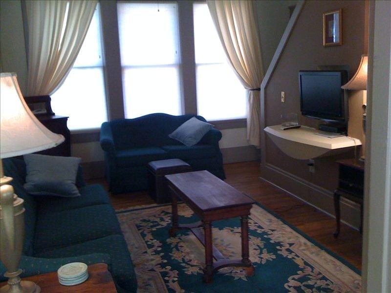 Memphis Belvedere Suites 2 Bedroom apt. - Image 1 - Memphis - rentals
