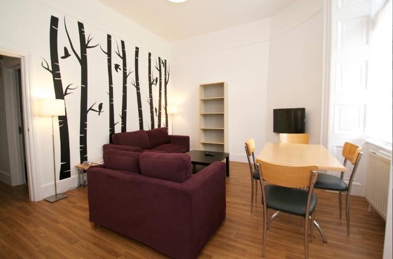 2 Bedroom London Vacation Apartment in Bloomsbury - Image 1 - London - rentals