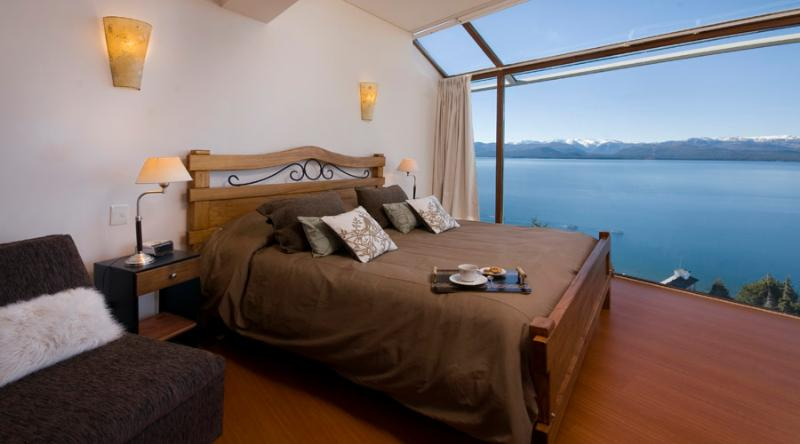 3 BEDROOM PENTHOUSE (TD3 ) JACUZZI, GYM & BBQ! - Image 1 - San Carlos de Bariloche - rentals