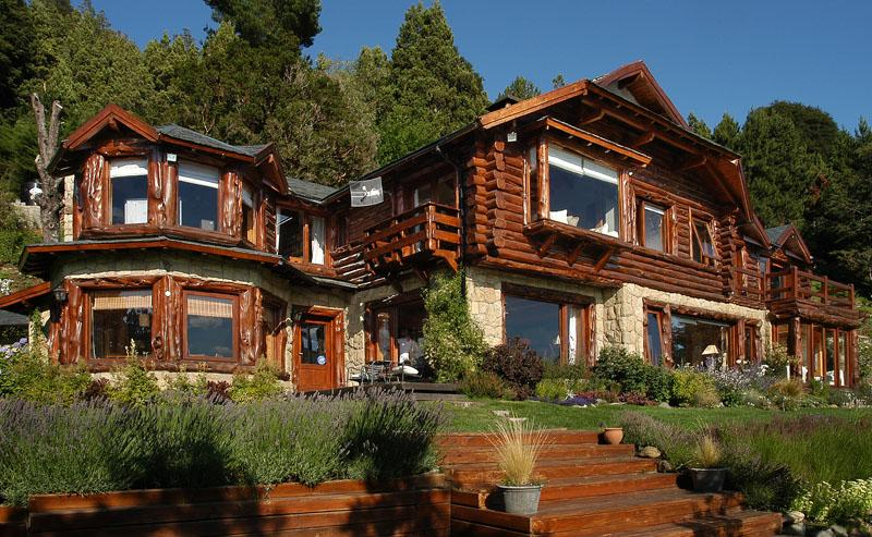 House view from outside - LUXURY 5 BED/4 BATH LAKE VIEW & PRIVATE BEACH /H13 - San Carlos de Bariloche - rentals