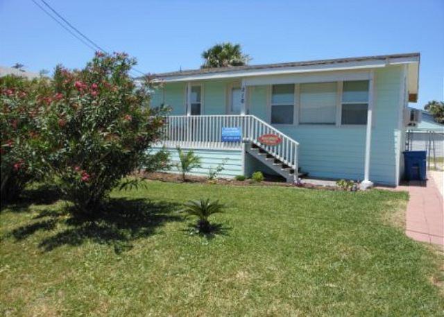 Gulfshore Cottage 216GS - Image 1 - Port Aransas - rentals