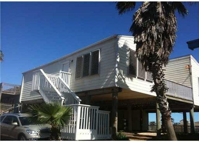 PortAway Pet Friendly, beach views, beach access, sleeps 8 - Image 1 - Port Aransas - rentals