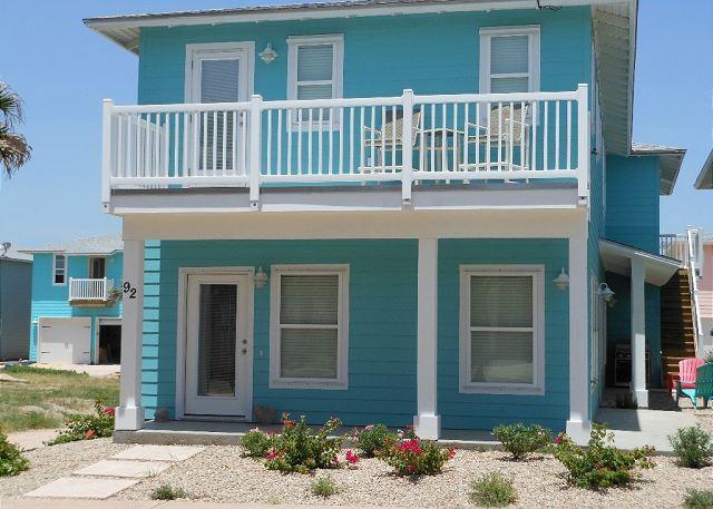 Sea La Vie, New 4 bedroom, 3.5 bath, 2 master suites, sleeps 12 - Image 1 - Port Aransas - rentals