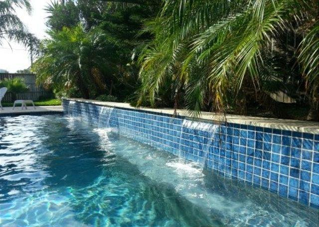 Belle Isle Villa: PRIVATE POOL, Close to Beach, Pets - Image 1 - Port Aransas - rentals