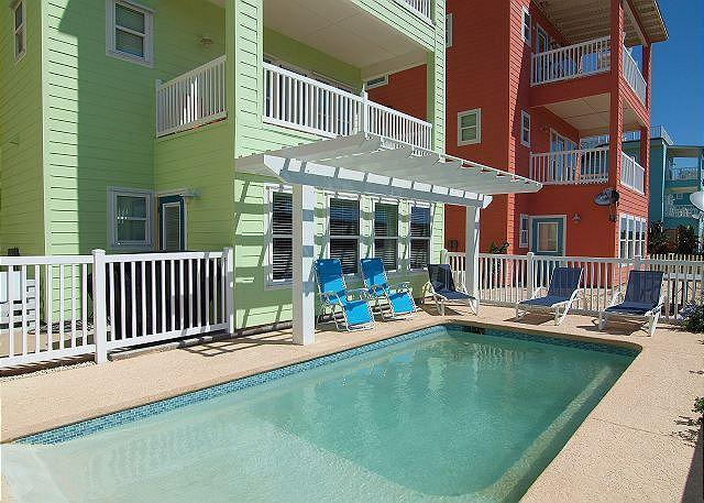Cowabungalow: PRIVATE POOL! Gated Community, Blocks to Beach, Elevator - Image 1 - Port Aransas - rentals