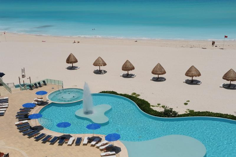 Enjoy our infinity pool facing the Caribbean Sea - 3-bedroom Beachfront Best Location - Cancun - rentals