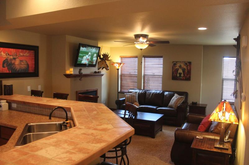 Breakfast Bar to Living Room - Luxury Townhome in Winter Park Ranch's Wildwood - Fraser - rentals