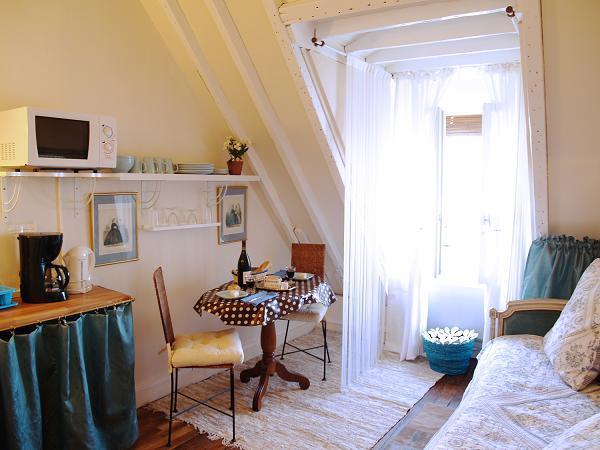 living room - LAST MIN DISCOUNTS: darling 1BR in le marais - Paris - rentals