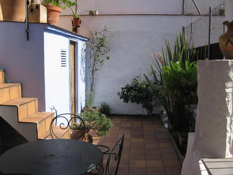 courtyard - La Filadora, between camp and city - Salt - rentals