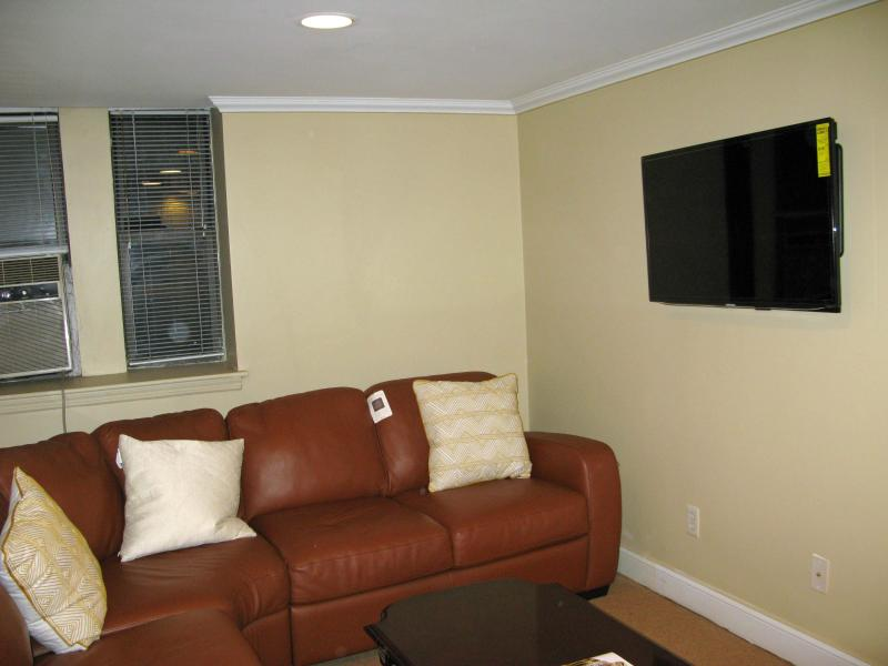 living room, with flat screen  40