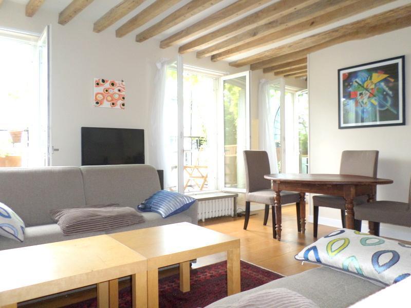 Marais top roof terrace apartment 4 sleeps 65m2 - Image 1 - Paris - rentals