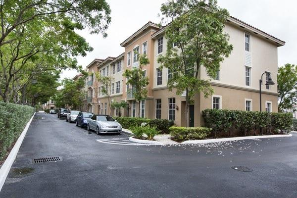 Luxury Beach Home Vacation Rental 3bd - Image 1 - Hallandale - rentals