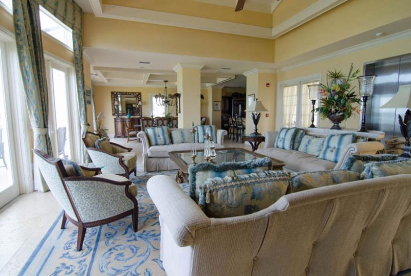Bahamas Villa 35 Spacious Terraces With Natural Stone Flooring Overlooking The Sparkling Waters Of The Atlantic Ocean. - Image 1 - George Town - rentals