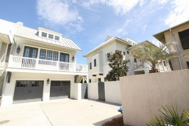 Byers House and Carriage House from Cul-de-Sac - Byers House and Carriage - Rosemary Beach - rentals