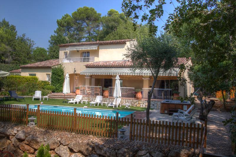Exposure south / south-west - Convenient villa for families in Valbonne (6 adults +2 kids) - Valbonne - rentals