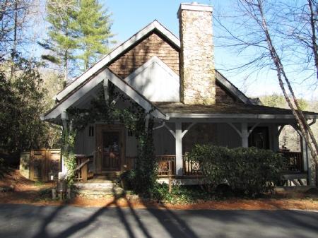 Exterior Front - Hobbit House - Cashiers - rentals
