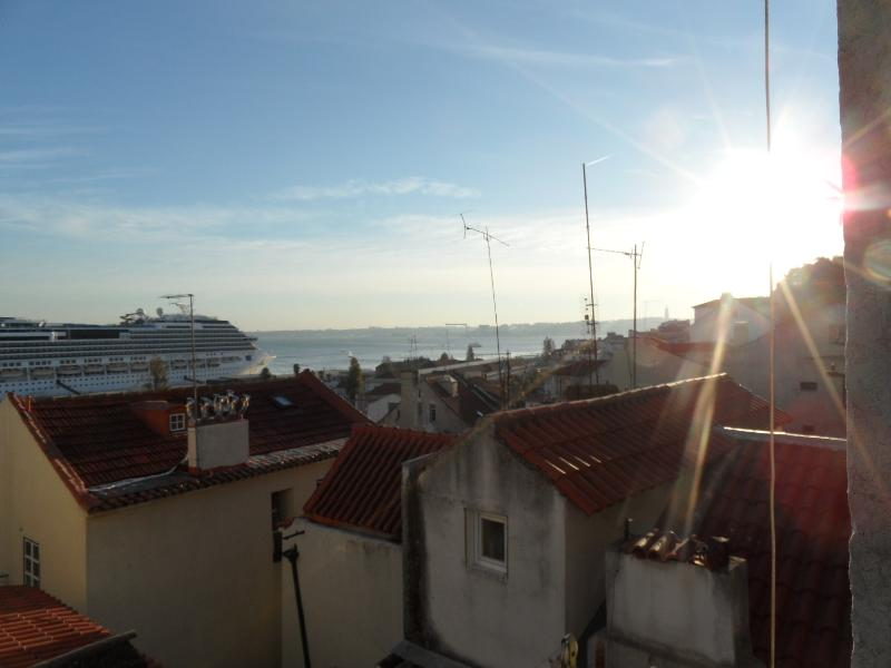 riverview - Beautiful riverview in Alfama! - Lisbon - rentals