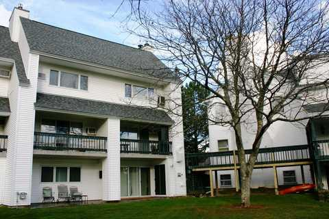 exterior - The Lodge Condo 18 - Stowe - rentals