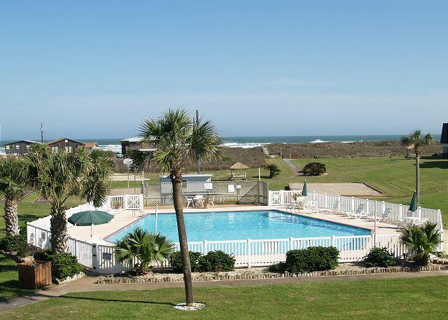 Affordable efficiency condo complete with a pool and beach access! - Image 1 - Port Aransas - rentals
