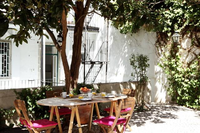 Bernardim Beige In Central Lisbon - Image 1 - Leiria - rentals