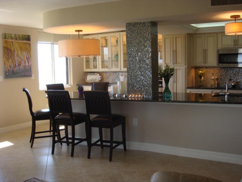 Dining Surround Seats six - Vanderbilt Surf Colony II--Near Beach and Park - Naples - rentals
