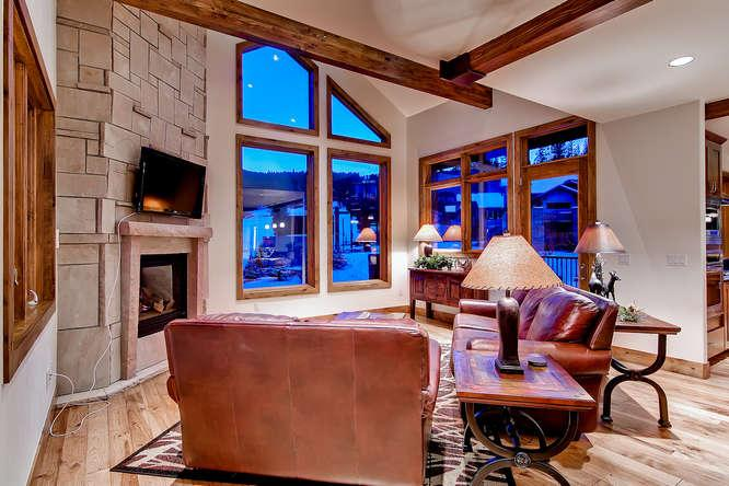 Retreat at Union Creek I - Ski in/out, hot tub - Image 1 - Copper Mountain - rentals