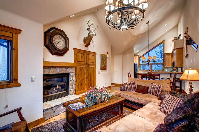 Saddlewood Ski Chalet- Ski in/out, hot tub - Image 1 - Breckenridge - rentals
