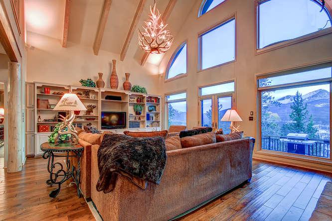 Scenic View Lodge - Hot tub, pool table, views - Image 1 - Breckenridge - rentals