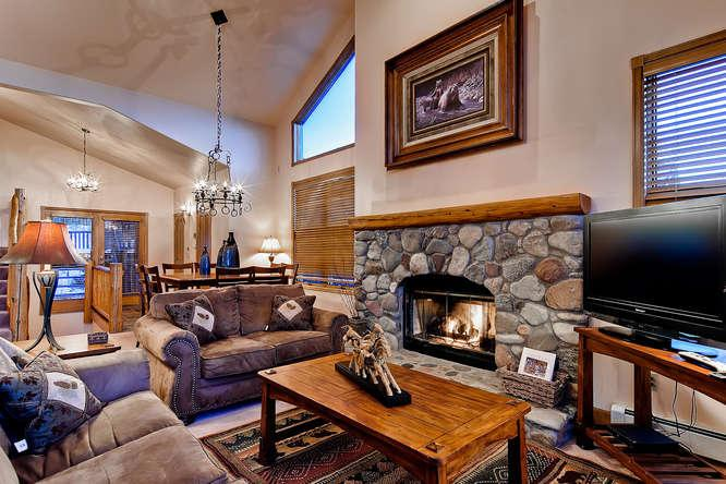 Ten Mile Range Retreat-Near shuttle, hot tub - Image 1 - Breckenridge - rentals