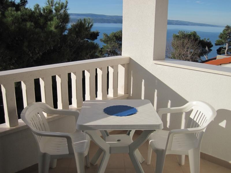 Balcony - Cosy apartment just 50 m from the beach - Mimice - rentals