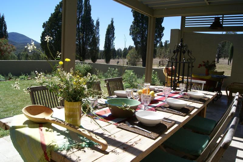 Courtyard Dining - Baerami Pines Hunter Valley Retreat NSW - Kerrabee - rentals