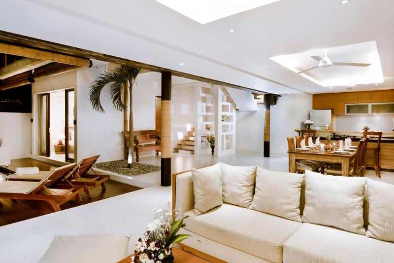 Spacious open lounge and dining area - Modern 3 Bedroom Villa, Echo Beach - Canggu - rentals
