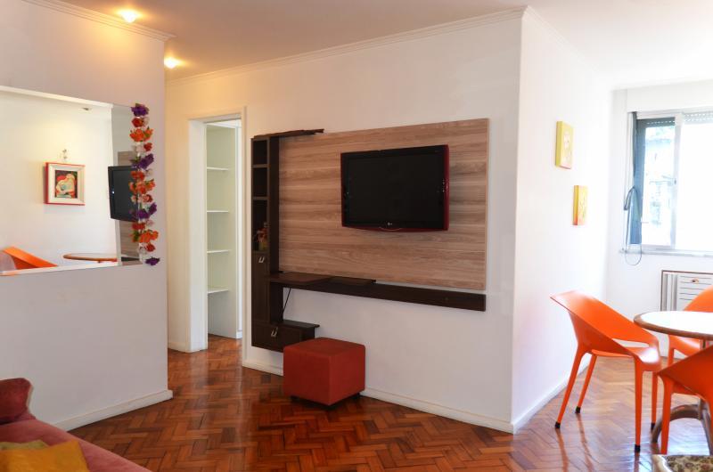 Copacabana Clean 1 Bedroom - Image 1 - Rio de Janeiro - rentals