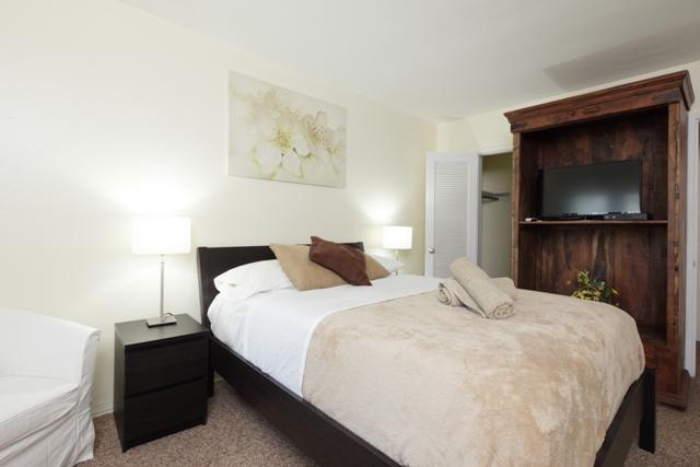 #9 LOCATION LOCATION! Trendy 1 Bed, On The Beach - Image 1 - Fort Lauderdale - rentals