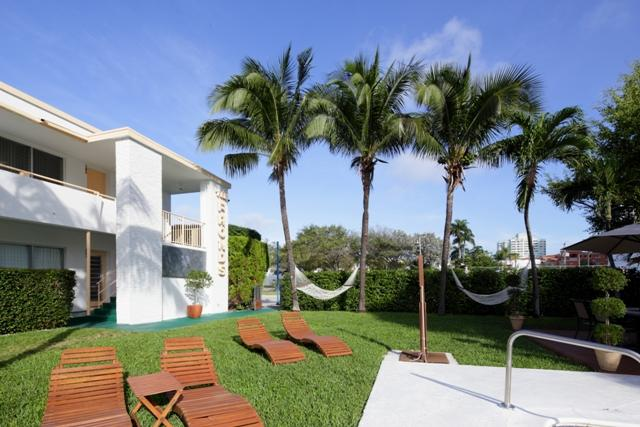 Gorgeous 2 Bed, Great Location on Lauderdale Beach - Image 1 - Fort Lauderdale - rentals