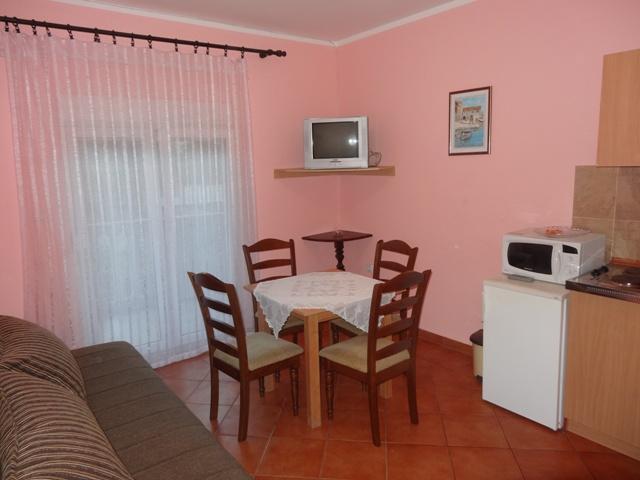 Living Room - 1 Bedroom Apart. with 5 beds - No.1 - Tivat - rentals