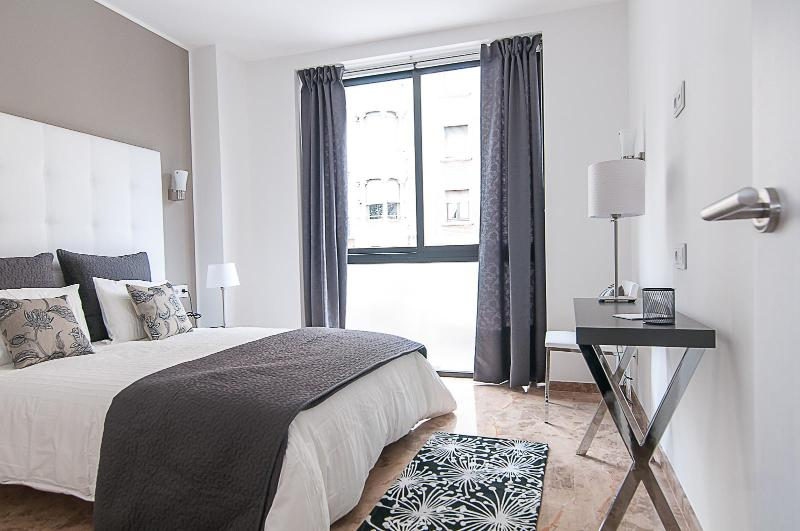 Picasso Suites 1.3 Luxury Apartment - Image 1 - Barcelona - rentals