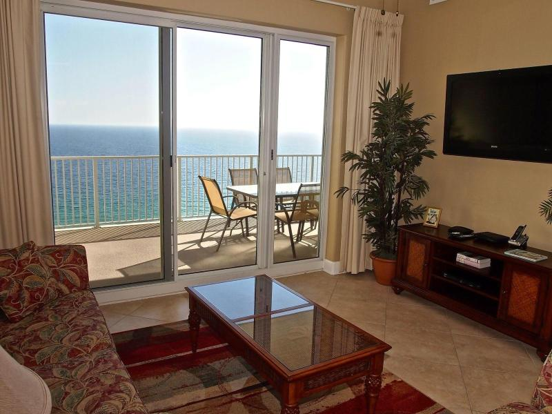 Living Area with Amazing View - BEACH FRONT; 2/2; Ocean Reef; FREE Beach Service. - Panama City Beach - rentals