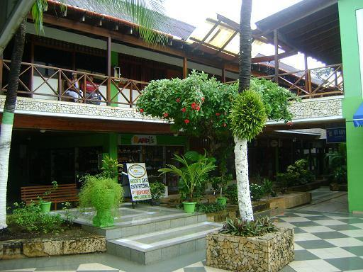 Building's Exterior Second Floor - Apartment in San Andres, 1 block from the beach! - San Andres Island - rentals