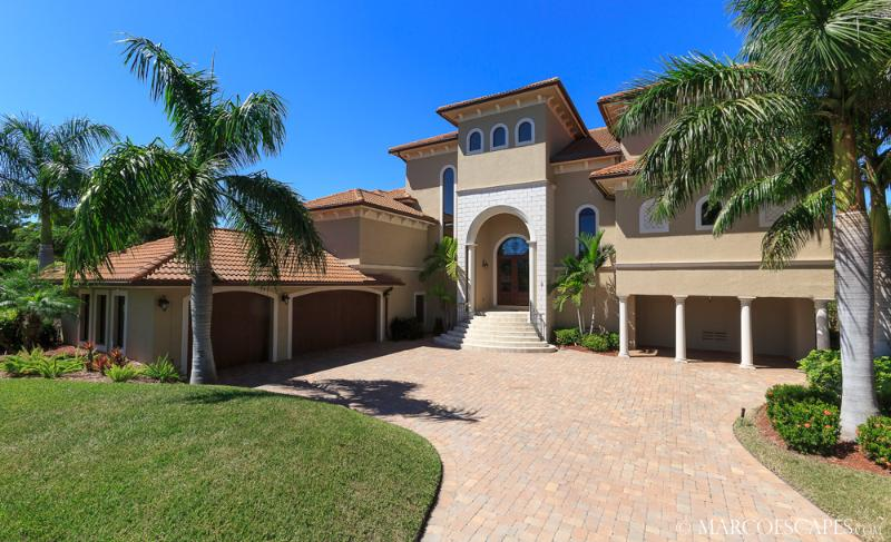 LES DEUX DAUPHINS - Sweeping Panoramic Views of the Gulf and Pass !! - Image 1 - Marco Island - rentals