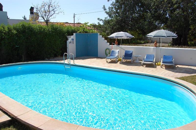 Pool mit Liegen - CASA JOIA-Ferienhaus mit Pool - Faro - rentals