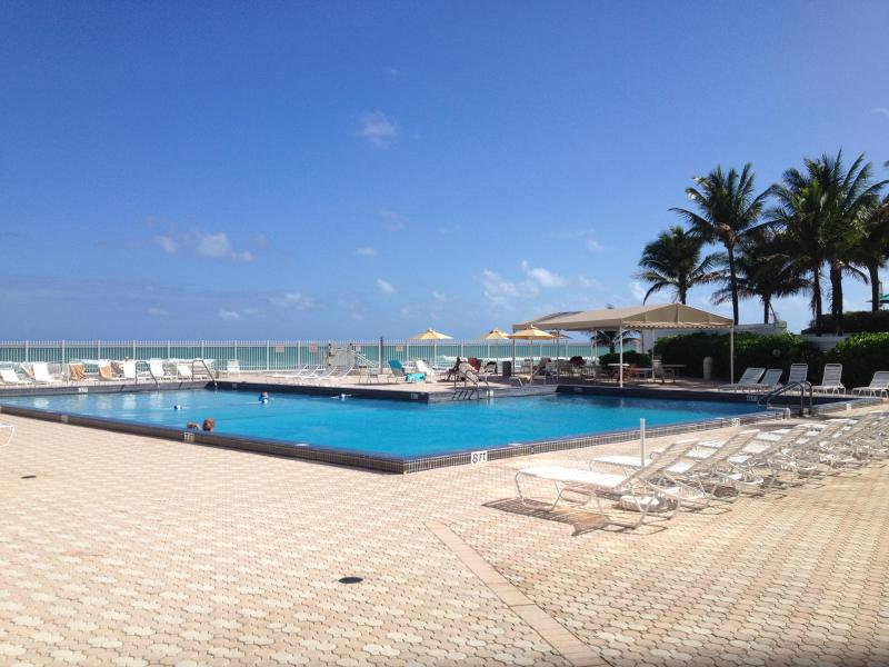 Waterfront 2 Bedroom 2 Bathroom Condo with Magnificent Ocean View! - Image 1 - Hollywood - rentals