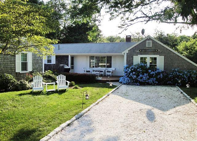 TASTEFULLY FURNISHED HARWICH VACATION HOME SLEEPS 6 - Image 1 - Harwich - rentals