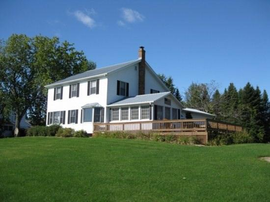 Island View Farm features magnificent lake views to the east, crystal clear water, and a real country feel. - Image 1 - North Hero - rentals