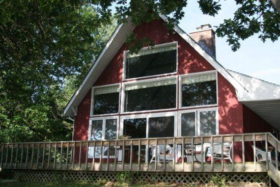Year round Lake Champlain cottage situated on the Southern tip of South Hero Island - Image 1 - South Hero - rentals
