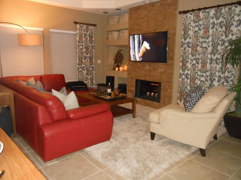Living Room in the evening - Designer Condo - Prime North Scottsdale Golfing - Scottsdale - rentals