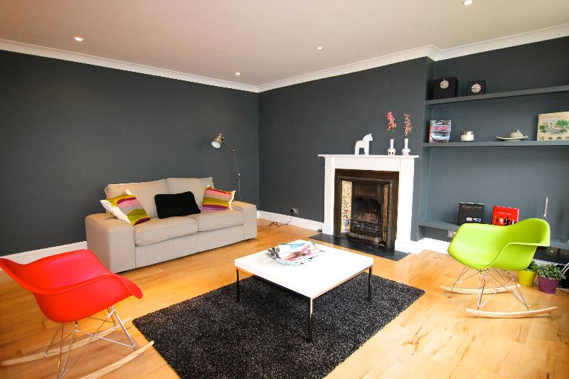 Stunning Light Mews Vacation Rental on Gloucester Road in London - Image 1 - London - rentals